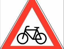 Verkehrsschilder Radfahrer kreuzen